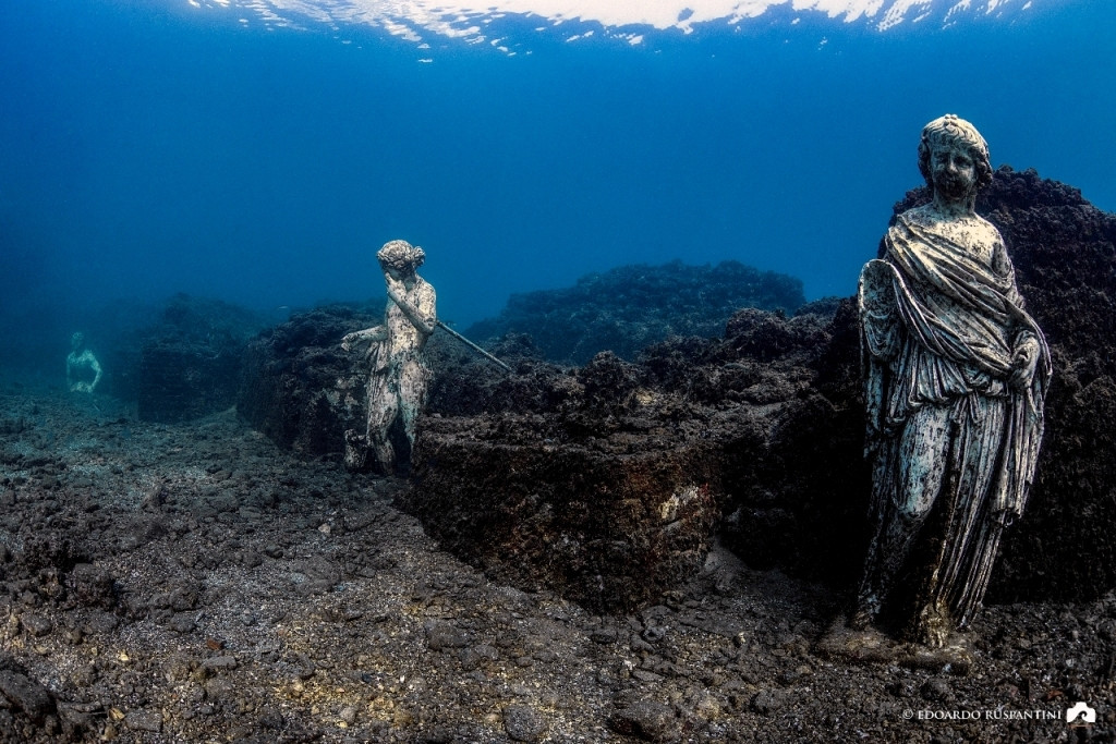 sea-heritage-subaia-statue