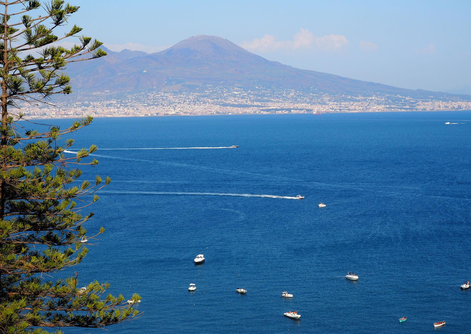 sea-heritage-vesuve-italie