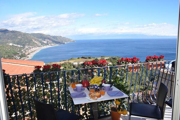 Taormina-bed-breakfast-sea-heritage